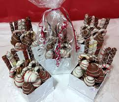 gift boxes for chocolate covered strawberries 132 best yummytecture images on edible fruit
