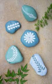 stenciled garden rocks u2014 crafthubs