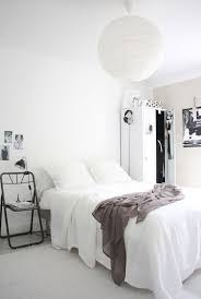 best 25 minimalist dorm ideas on pinterest minimalist bedroom