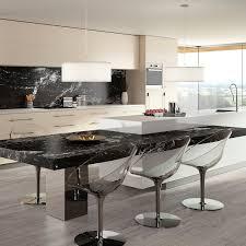 cuisine blanc noir plan de travail en granite de cuisine blanc noir
