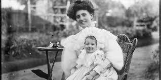 Historical Photos Circulating Depict Women Blog
