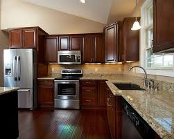 Kitchen Color Ideas With Cherry Cabinets Best 25 Cherry Cabinets Ideas On Pinterest Cherry Kitchen