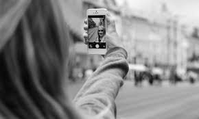 10 tips to taking that perfect selfie