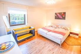 Schlafzimmer Einrichten Mit Kinderbett Die Ferienwohnung Ela Ferienwohnung