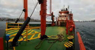 investigador investigaciones marinas