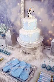 How To Make Winter Wonderland Decorations Best 25 Snowflake Cake Ideas On Pinterest Disney Frozen Cake