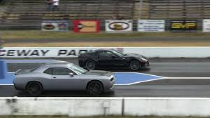 zr1 corvette quarter mile hellcat battles zr1 corvette 1 4 mile drag races the fastest