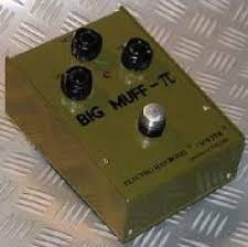 Fuzz: MXR El Grande Bass Fuzz VS Electro Harmonix Big Muff (Ajuda) Images?q=tbn:ANd9GcSkxSDnv6TEfL7KC2TQUo8ksKRIRka0up8WmBn4G1rKbEn4RfDfBQ
