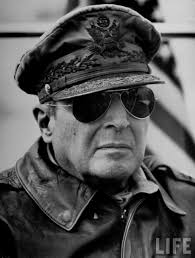 why exactly were aviator sunglasses so popular after wwii