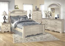 Queen Bedroom Set Benton  Piece IL IN The RoomPlace - 7 piece king bedroom furniture sets