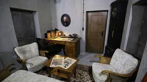 Wohnzimmer Fotos Adolf ärger Um Nachbau Seines Wohnzimmer In Bunkermuseum