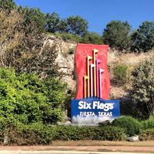 Six Flags Poltergeist Mardi Gras Festival At Six Flags Fiesta Texas San Antonio Daily Sun
