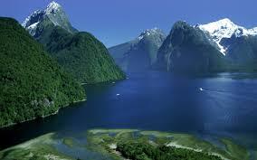 fiordland national park u2013 lush green mountains beautiful lakes