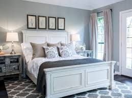 Joanne Gaines Light Grey Bedroom Ideas Guest Bedroom Ideas Glass Box Benches Traditional Chair Light
