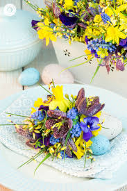 cute flower arrangement ideas for easter country hill cottage