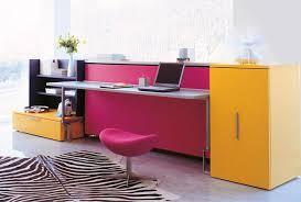 lit escamotable bureau intégré armoire design avec lit et bureau escamotable