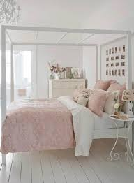 beautiful shabby chic bedroom decorating ideas with white and