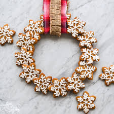 make an edible gingerbread cookie wreath the diy mommy
