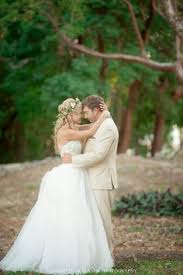 key largo wedding venues lace wedding dress at key largo lighthouse wedding venue in