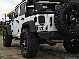 white jeep wrangler unlimited black wheels best 25 white jeep ideas on jeep wrangler white jeep