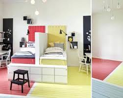 tapisser une chambre chambre 2 couleurs sacparation chambre 2 enfants avec la couleur