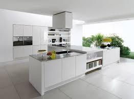 cuisine moderne ilot central cuisine blanche ilot central rayonnage cantilever