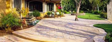 Choosing The Right Paver Color What Is The Best Way To Edge A Paver Patio Our Favorite Ideas