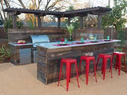 Diy Outdoor Bar Table Building Outdoor Bar Ideas