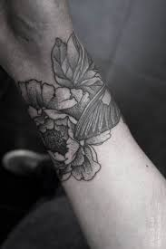 10 beautiful flower tattoos for your wrist watercolour flower