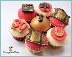 Movie Themed Cake Decorations Hooray For Hollywood Themed Cakes And Cupcakes