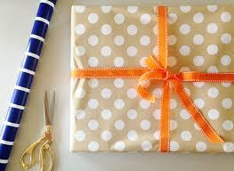 graduation wrapping paper diy a graduation gift green fingerprint