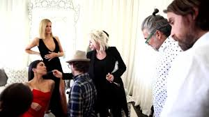 Kourtney Kardashian House Interior Design by Watch Celebrity Living Behind The Scenes At Kourtney And Khloé