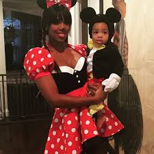 kelly rowland dressed as minnie while her son titus made an
