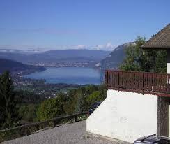 chambre d hotes lac d annecy les balcons de la cochette entre lac et montagne à eustache