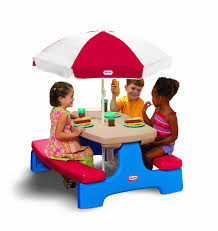 kids outdoor picnic table amazon com little tikes easy store large picnic table with umbrella