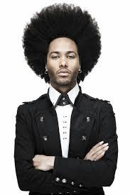 coupe de cheveux homme noir americain coupe afro portée par un homme men pinterest coupe afro
