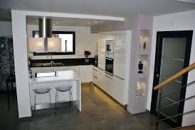 cuisines blanches modele de cuisine blanche daccouvrez nos projets de cuisines