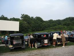 12 classic drive in movie theaters best drive in theaters in america