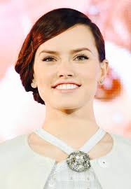 star wars hair styles star wars actress daisy ridley just gave us all the hair