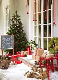 40 stunning christmas porch ideas christmas porch ideas designrulz 1