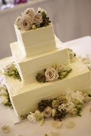 square wedding cakes 30 gorgeous square wedding cake ideas weddingomania
