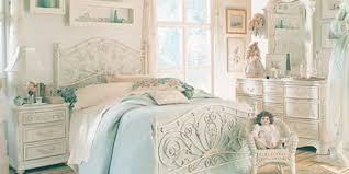 Vintage Bedroom Dresser Why Choosing Vintage Bedroom Furniture For Your Bedroom