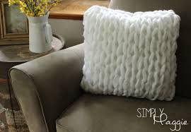 one hour arm knit pillow pattern simply maggie simplymaggie com