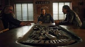 Sons Of Anarchy Meeting Table The Meeting Table Of The Samcrow In Sons Of Anarchy Spotern