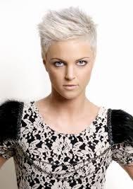 Kurzhaarfrisuren Pixie Cut by Charmante Kurzhaarfrisuren Für Frauen Mit Blonden Haaren
