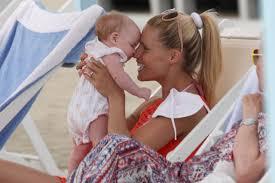 Baby Schlafzimmerblick Michelle Hunziker Eindeutige Bilder Ist Das Die Schwangerschafts