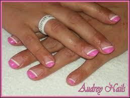 french de biais rose barbie et blanc par audrey nails 91 nail