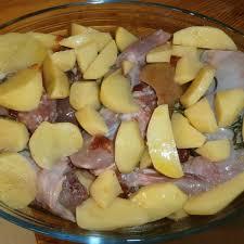 cuisiner lapin au four recette lapin à la moutarde et pommes de terre au four par