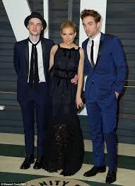 Twilight Vanity Fair Robert Pattinson Joins Tom Sturridge And Fiance Sienna Miller At