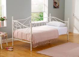 Bedroom Rug Bedroom White Metal Cheap Daybeds With Area Rug And Wooden Floor